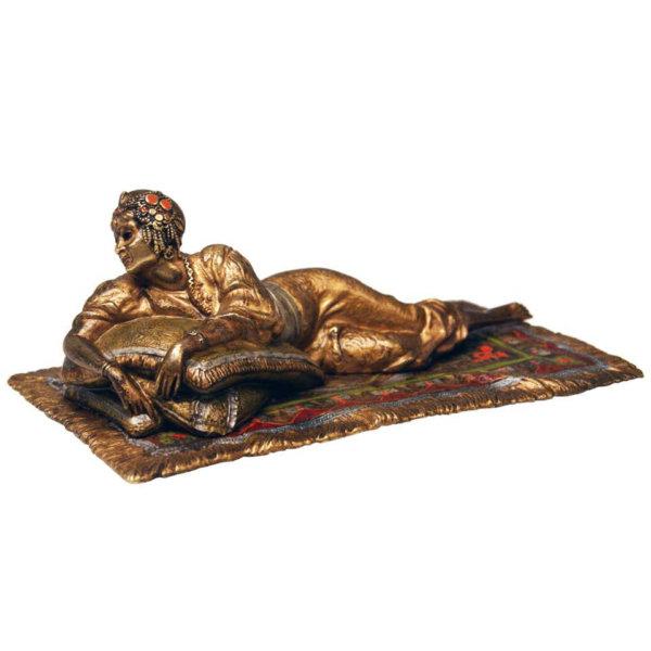 Franz Bergmann Bronze, Orientalin auf Teppich