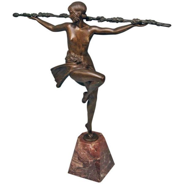 Französische Bronze, Tänzerin mit Bacchus- Stab