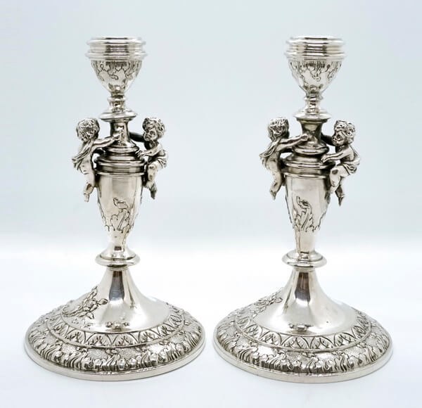 Silber Kerzenleuchter mit Putten