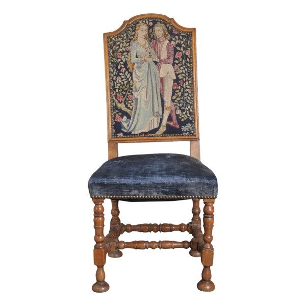 Barocker Sessel mit Stickereibezug